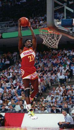 Dominique Wilkins... #greatsportsmemes Pro Basketball, Basketball Pictures, Basketball Legends, Basketball Players, Mlb, Best Nba Players, Dominique Wilkins, Best Uniforms, Nba Jam