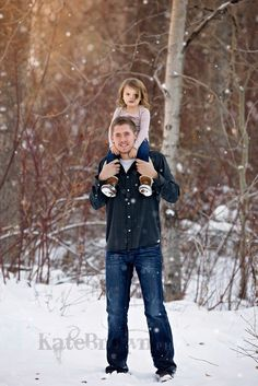 Elko, NV premier family/maternity photographer Winter maternitypictures Winter family pictures