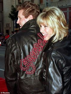 Tears on my pillow: Olivia Newton-John has spoken of her sadness at the death of Grease co-star and former brother in law Jeff Conaway, pictured together here in 1998 at the re-release of the hit movie Easy Hairstyles For Medium Hair, Classic Hairstyles, Indian Hairstyles, Latest Hairstyles, Bob Hairstyles, Medium Hair Styles, Short Hair Styles, Layered Hairstyle, Olivia Newton John