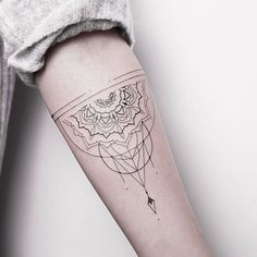 """4,484 Likes, 4 Comments - Tattoos (@inkspiringtattoos) on Instagram: """"Nice line work ❣❣@xoxotattoo"""""""