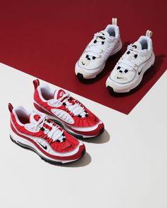 Sneakers Outfit Work, Best Sneakers, Sneakers Nike Jordan, Foto Still, Shoe Poster, Shoe Advertising, Creative Shoes, Jordans Girls, Shoe Image