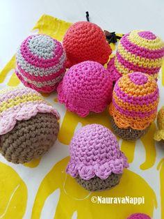 virkatut muffinssi, leikkiruoka, crocheted muffins, playfood
