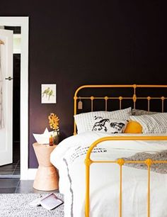 10 dormitorios con camas de hierro vintage10 pretty bedrooms with vintage metal beds