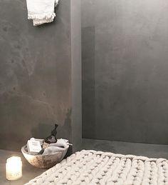 436 vind-ik-leuks, 19 reacties - ODYVET! Interieurstyling (@odyvet) op Instagram: 'Douchen Fijne avond allemaal✔️ #thuis #badkamer #badkamerinspiratie #betoncire'