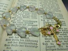 Rosenkranz Armband rosa Goldkreuz