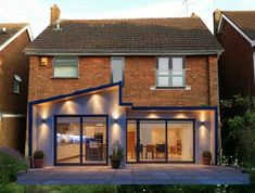 flat roof and pitched roof extension House Extension Plans, House Extension Design, Extension Designs, Glass Extension, Roof Extension, Extension Ideas, Extension Google, Bungalow Extensions, House Extensions