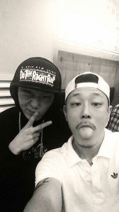 SILLY VASCO SHARE PIC WITH BOBBY.