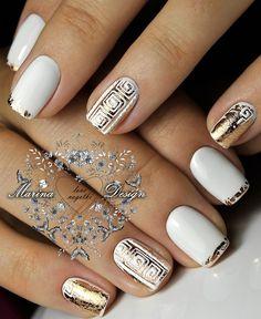 Nail art Christmas - the festive spirit on the nails. Over 70 creative ideas and tutorials - My Nails Gold Nails, White Nails, Glitter Nails, Nail Manicure, Diy Nails, Nail Polish, French Nails, Bridal Nails, Square Nails