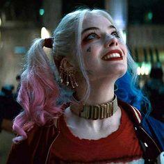 "margots-robbie: ""What? I got a hickey or somethin'? Joker Y Harley Quinn, Harley Quinn Drawing, Harley Quinn Halloween, Harley Quinn Cosplay, Arlequina Margot Robbie, Margot Robbie Harley Quinn, Harley Queen, Hearly Quinn, Dc Comics"