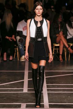 Givenchy Spring 2015 RTW – Runway