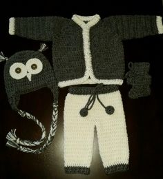 Gray and white sweater set