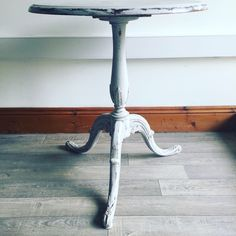Bringing the best out of the legs Upcycle Table, Lamp Post, Table
