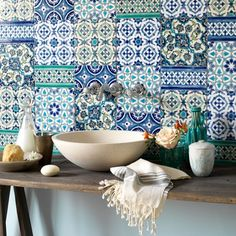 Country bathroom with Moroccan tiles Moroccan Bathroom, Moroccan Tiles, Moroccan Decor, White Bathroom, Moroccan Kitchen, Turkish Tiles, Portuguese Tiles, Morrocan Theme, Green Bathrooms
