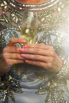 Gorgeous Glam: Sparkle, Cheers, Kiss