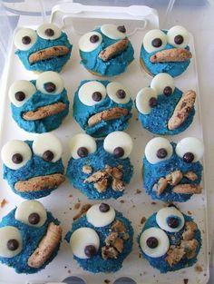 Cookie Monster Cupcakes. YUM!