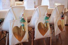 Ideia, colocar as lembrancinhas nos acentos dos convidados