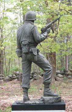 http://www.keropiansculpture.com/images/sgt_saunders_c.jpg