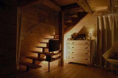 Particolare dalle camere dello Chalet nel Doch in Trentino. #trentinocharme #sanmartinodicastrozza Bunk Beds, Furniture, Home Decor, Glamour, Double Bunk Beds, Interior Design, Home Interior Design, Arredamento, Bunk Bed