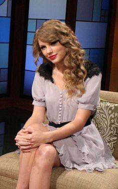 Google Image Result for http://wwtaylorw.com/wp-content/uploads/2011/11/2011-gac-top-20-countdown-pastel-purple-dress.jpg