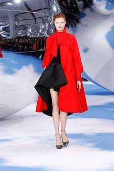 Dior Fashion, Runway Fashion, Fashion Show, Womens Fashion, Fashion Tape, Street Fashion, Fashion Trends, Haute Couture Style, Fashion Week Paris