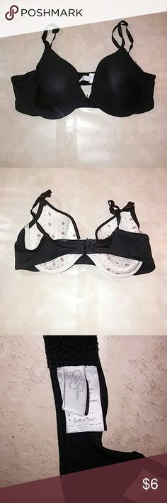 JESSICA SIMPSON BLACK BRA SIZE 36C In good condition. No signs of rips, tears or stains. Bundle with my other items for a discount 15% off 2 or more items❤ If you have any questions just ask me! Jessica Simpson Intimates & Sleepwear Bras