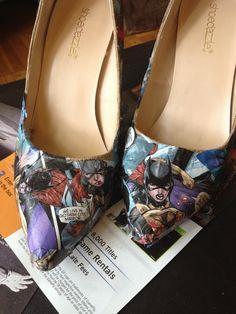 SR Geek Picks: Sesame Street Batman, 'Breaking Bad' Print, Bane Memes & More! Comic Book Shoes, Geek Crafts, Clothes Crafts, Disney Crafts, Batgirl, Swagg, Bane, Breaking Bad, Nerdy