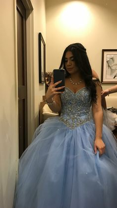 28 Ideas party dress sweet 16 winter wonderland for 2019 Tulle Ball Gown, Ball Gowns Prom, Ball Dresses, 15 Dresses, Pretty Dresses, Beautiful Dresses, Chiffon Dresses, Fashion Dresses, Bridesmaid Dresses