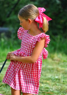 pink checked dress with ruffled sleeves is classics - Babykleidung Little Girl Dresses, Girls Dresses, Summer Dresses, Sewing For Kids, Baby Sewing, Little Girl Fashion, Kids Fashion, Boho Fashion, Moda Kids