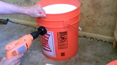 Homemade Air Conditioner Bucket Bucket Air Conditioner, Homemade Air Conditioner, Fun Crafts, Arts And Crafts, Household, Diy Projects, Cold, Clever Tips, Canning
