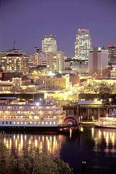 Today the City of Sacramento is a modern hub of governmental and commercial activity, but it's also a city of stately, tree-lined avenues, excellent restaurants, and genteel Victorian homes.