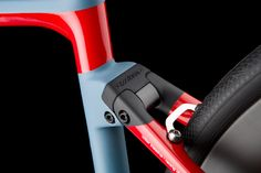A racing frame and the perfect balance between performance and comfort. The Cento10NDR will let you spend long hours in the saddle, thanks to its specially designed endurance geometry and the ACTIFLEX system – Wilier's new approach to absorbing rear vibrations generated by bumps in the road surface.