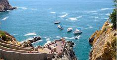 Es la Acapulco en Mexico.  Se puede bucear en Acapulco