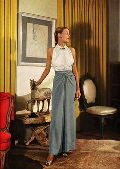 my vintage vogue — March 1944 - Vogue Conde Nast Archive Moda Retro, Moda Vintage, Vintage Outfits, Vintage Dresses, Vintage Clothing 1940s, Vintage Glamour, Timeless Fashion, Retro Fashion, Vintage Vogue Fashion