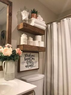 27 Popular Small Farmhouse Bathroom Decor Ideas And Remodel. If you are looking for Small Farmhouse Bathroom Decor Ideas And Remodel, You come to the right place. Below are the Small Farmhouse Bathro. Vinyl Decor, Wall Decor, Bathroom Humor, Diy Home Decor, Home Ideas Decoration, Home Decorations, Decoration Pictures, Cute Bathroom Ideas, Vintage Bathroom Decor