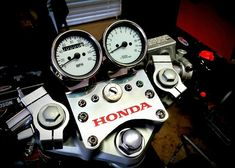 Cafe Racer Parts, Cafe Racer Bikes, Motorcycle Store, Motorcycle Clubs, Honda Cx500, Honda Cb, Cb400 Cafe Racer, Sv 650, Cycle Ride