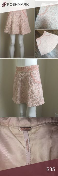 "Free People Boho Romantic Pink Brocade Mini Skirt Free People Sz 6 Pink brocade mini skirt. Lined,pockets,zips up the side. In excellent condition  Measurements- 14"" across waist 17"" long Free People Skirts Mini"