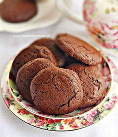 Ciastka podwójnie czekoladowe Cannoli, Special Recipes, Truffles, Cookie Recipes, Food And Drink, Sweets, Dishes, Cookies, Healthy