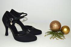 Oxford Shoes, Women, Fashion, Moda, Fashion Styles, Fashion Illustrations, Fashion Models