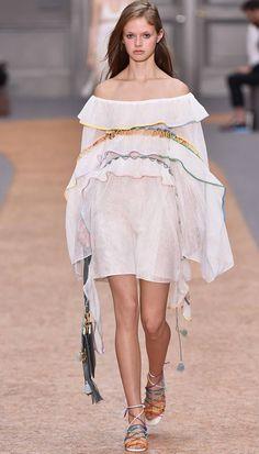 Los hombros descubiertos, la gran tendencia del verano. Más en www.revestida.com
