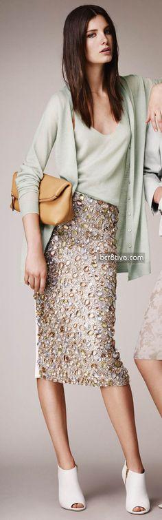 Burberry Prorsum Pre Spring 2014 Collection  今年他們家會是眾多大名牌中,最賣的一家,他的這一系列 超愛~ 每件都想要搬回去 ~一個是要存錢,一個是要減肥,還要去美背,就可以穿他們家的衣服了