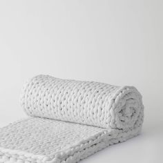 The Napper is Bearaby's cool and cozy weighted blanket made with nothing but layers of natural, organic cotton. Bedroom Ideas, Bedroom Decor, Wake Forest, Weighted Blanket, Zero Waste, Master Suite, Organic Cotton, Presents, Textiles