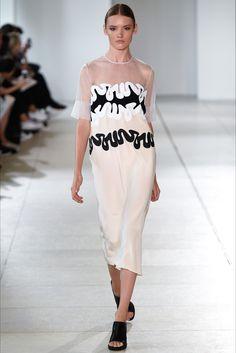 Sfilata Issa Londra - Collezioni Primavera Estate 2015 - Vogue