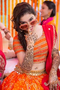 We KNOW you want to rock your mehendi day look and for that we got you a crazy cheat code! Decoding our favourite mehendi look so you can get it too! Mehendi Photography, Indian Wedding Photography Poses, Bride Photography, Photography Ideas, Fashion Photography, Wedding Poses, Wedding Shoot, Portrait Photography, Mehndi Outfit