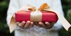 Die zehn besten Geschenke für Studis - Keine Idee, was du dir zu Weihnachten wünschen sollst? Wir haben unsere Top-10-Geschenk-Ideen für Studis zusammengestellt. Ohne Socken, versprochen!