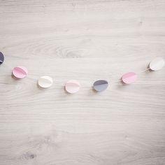 3D Bol Garland Slinger in de kleuren: antraciet, pink, ivoor & soft-pink