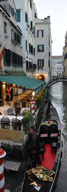 Venice | Italy © Stunning Expressions #romantictraveldestinations