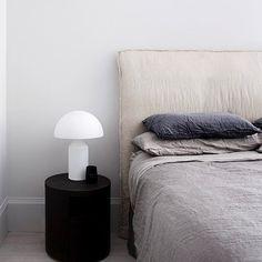 Designer Bedding Sets On Sale Refferal: 7066065820 Best Bedding Sets, Luxury Bedding Sets, Comforter Sets, Ikea, Bed Head Styling, Pottery Barn Teen Bedding, Black Bed Linen, Apartment Renovation, Bed Linen Design
