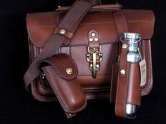 Very nice leather bag.  Link broken.
