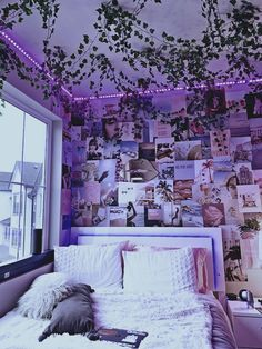 Indie Room Decor, Cute Bedroom Decor, Room Design Bedroom, Girl Bedroom Designs, Teen Room Decor, Room Ideas Bedroom, Neon Bedroom, Chill Room, Aesthetic Bedroom
