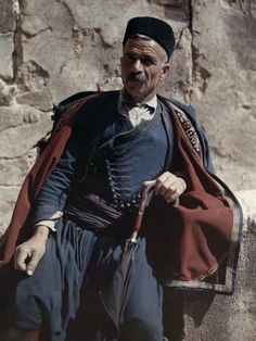 A man poses in the national costume of Crete - Greece in colour, Images by Maynard Owen Williams / Wilhelm Tobien Source: National Geographic Stock Greek Traditional Dress, Traditional Outfits, Traditional Fashion, National Geographic, Folk Costume, Costumes, Albert Kahn, Greek Dress, Crete Island
